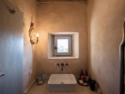 ANESSO BATHROOM