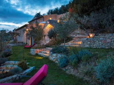 VILLA BY NIGHT WITH LOUNGERS